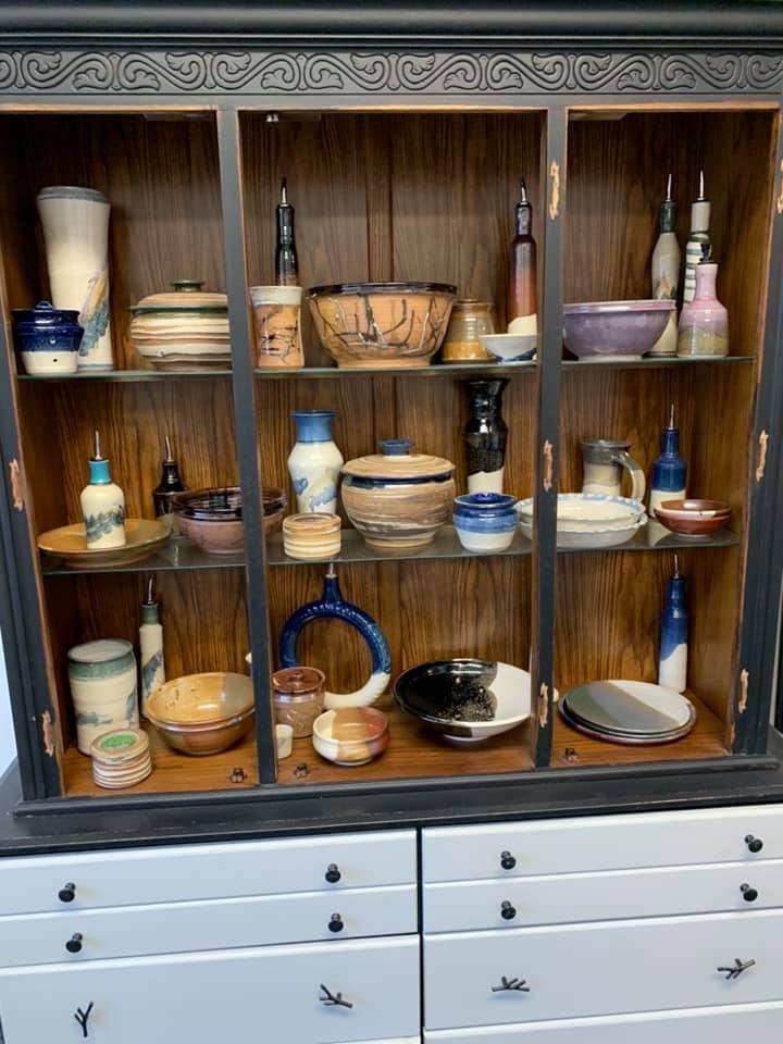 pots-in-gallery